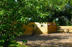 Quiet and calming, Suffolk Glamping with fire pit, hot tub and sauna.