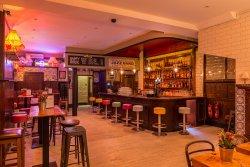 Simmons Bar | Tower Bridge