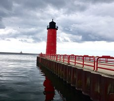 Milwaukee Pierhead Lighthouse