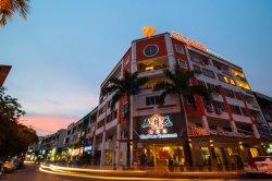 Orange Hotels, Kota Kemuning