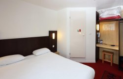Fasthotel Reims Taissy