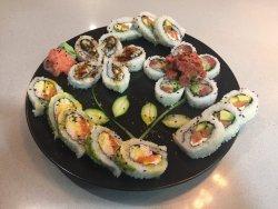 Fujiyama Sushi Bar & Asian Cuisine