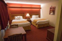 Shepherd Mountain Inn & Suites