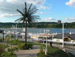 Riverside Marina Bar and Grill