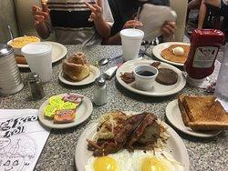 Ginger Brown's Old Tyme Restaurant
