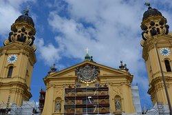 Odeonsplatz市中心