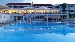 Doskonały Hotel !!! Niesamowita Obsługa !!!