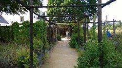 Jardin du Prieure de Locmaria