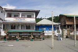 Monaliza Surf Resort