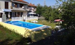 Guest house Surina apartman GreenHoliday