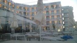 AMAZING STUNNING HOTEL