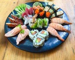 Special mix plate: Sashimi mix, Nigiri mix, dragon, california