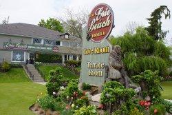 Erie Beach Hotel Cove Room