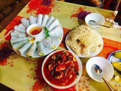 Trung Tuyet Restaurant