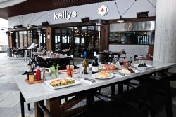 kellys bar and grill