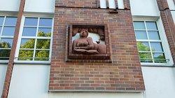 Frau am Fenster