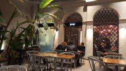 Yungo Cafe & Bistro