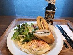 Cafe & Bar Tonarimachi Parlor