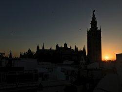 Ausblick von der Dachterasse zum Sonnenuntergang