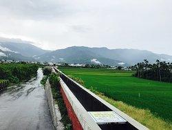 Er Ceng Ping Shui Bridge