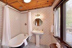Sycamore Bathroom