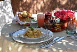 Déjeuner restaurant de la piscine du Beldi Country Club