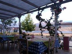 Taverna tis Pareas