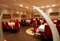 Typical modern Indian restaurant with very good service