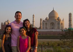 India Odyssey Tours - 1 Day Delhi Tour
