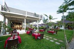 Seabreeze Restaurant & Skybar