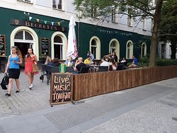 Beckett's Irish Gastro Pub & Restaurant
