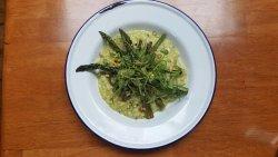 Asparagus, green bean & pistachio risotto