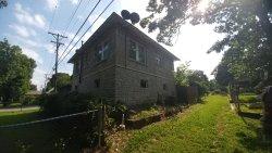 Bonnie and Clyde's Joplin Garage Apartment Hideout