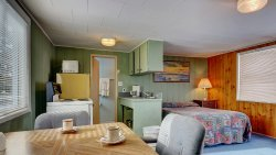 Deerview Lodge & Cabins