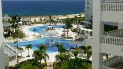 Breathtaking, Prestine Resort with the friendliest staff Just Outside Ocho Rios!