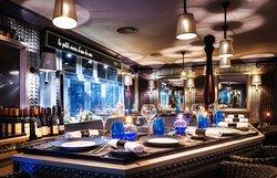 Le Bar à Huîtres Place des Vosges