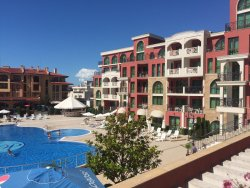 Krásný hotel, dál od pláže