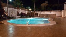 Man darf auch Abends den Pool noch benutzen.
