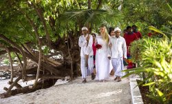 Our beautiful Biyadhoo! Not forgetible memories and romantic Wedding in the Island! They are the