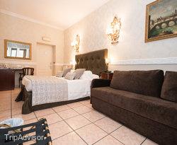 The Standard Room at the Residenza Zanardelli
