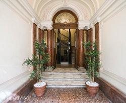 Entrance at the Residenza Zanardelli
