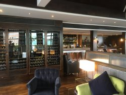 Great facilities, food and wine (Moorgate)
