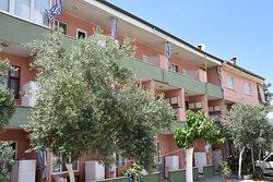 Cavdar Hotel