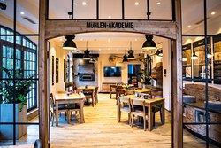 Backerei Vielhaber - Brot-Cafe mit Muhlen-Akademie