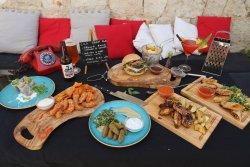 Lola Street Food & Bar