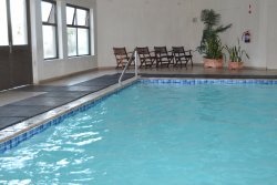 Monday morning, after a long weekend, the pool was immaculately clean. Very impressive!