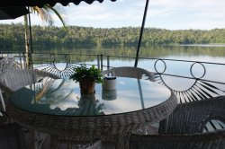 Lake Barrine Tea House, Restaurant And Cottage Accomodation