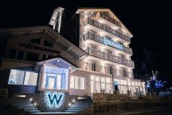 Le White Hotel