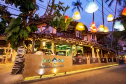 Poda Beachfront Dining