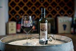Ausgezeichnete Weine kredenzen wir auch Glasweise